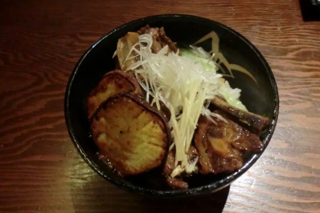 黒豚わっぜえか丼(鹿児島県)