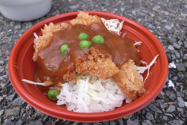 デミカツ丼(岡山県岡山市)